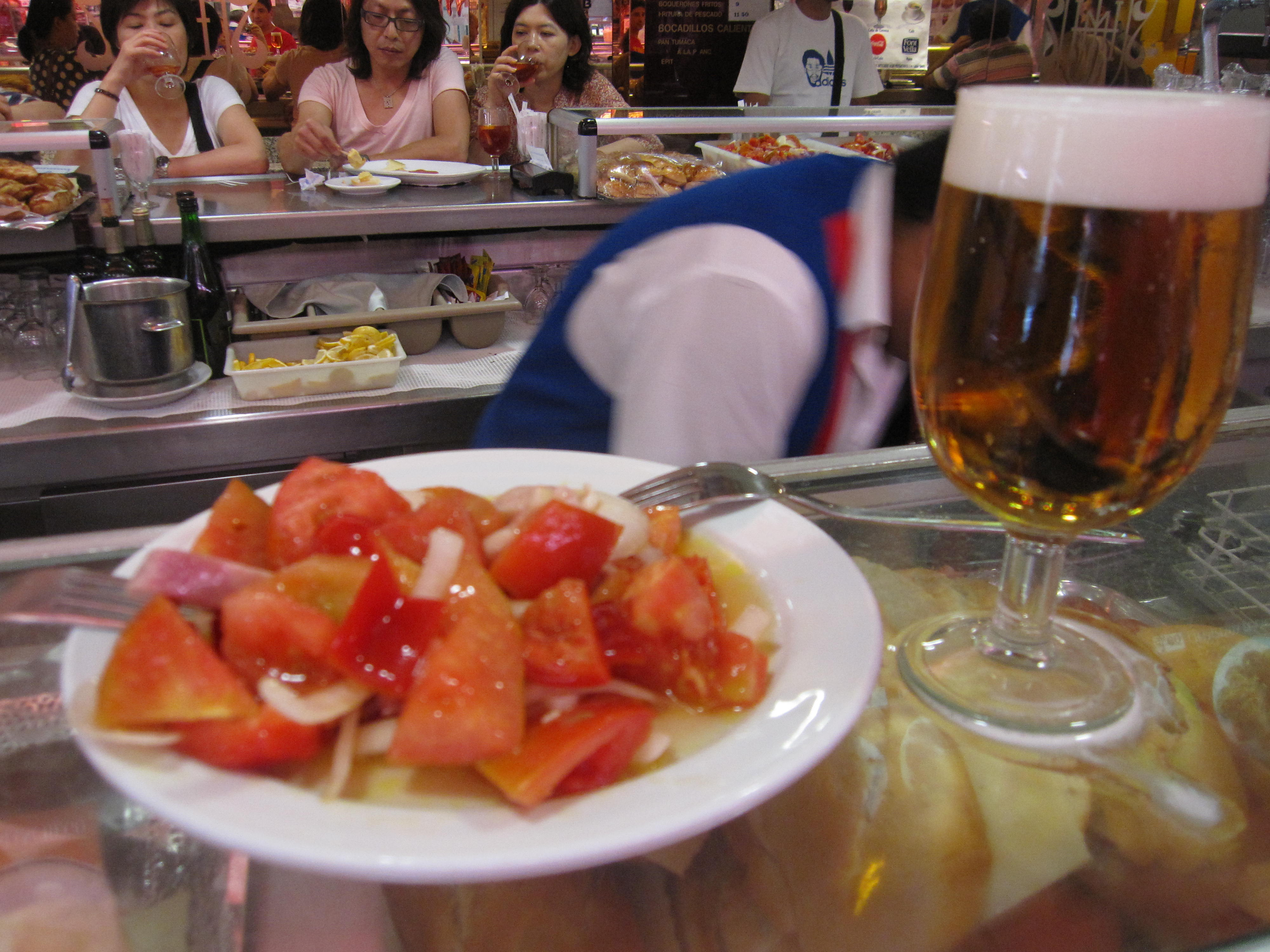 A stop for some tomato salad at pint of beer at Museo De Jamon