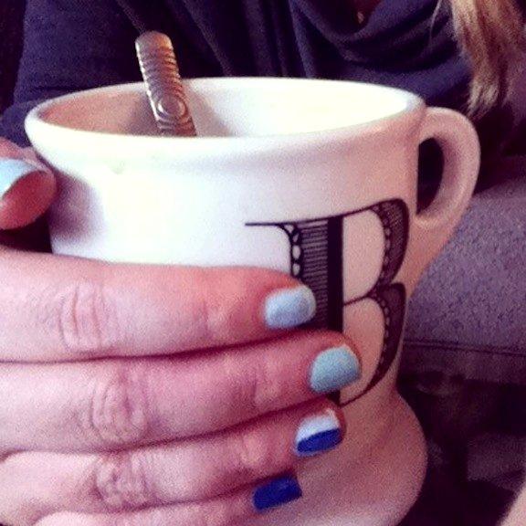nails-lightbluenailpolish-chanel-blue