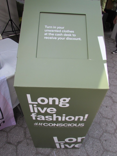 #H&M #recycle #recycleclothing #earthday