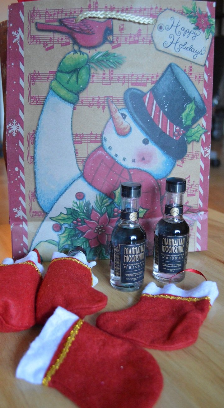 holidays, gifts, gift ideas, holiday gift guide, gifts for men, gifts for brother in law, funny gifts, liquor, liquor gifts, manhattan moonshine, stocking stuffers