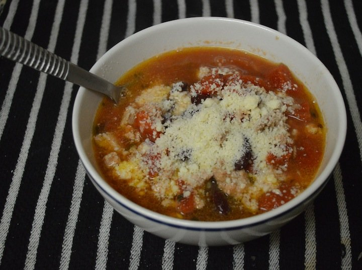 turkey bean chili, recipes, winter dinners, easy recipes, weeknight dinners, family meals, cooking, soups, soup recipes