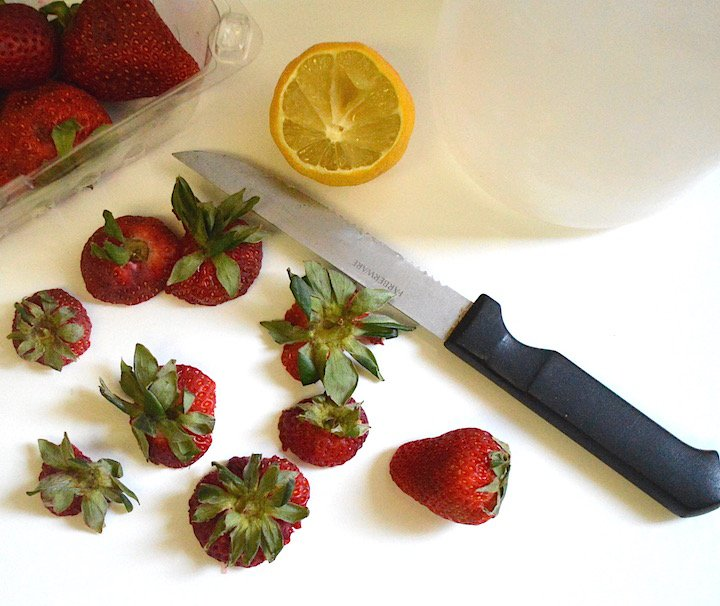 strawberries, strawberry recipes, strawberry ideas, cooking, baking, detox water, breakfast shakes, smoothies, smoothie recipes, strawberry water, summer salads, salad recipes,