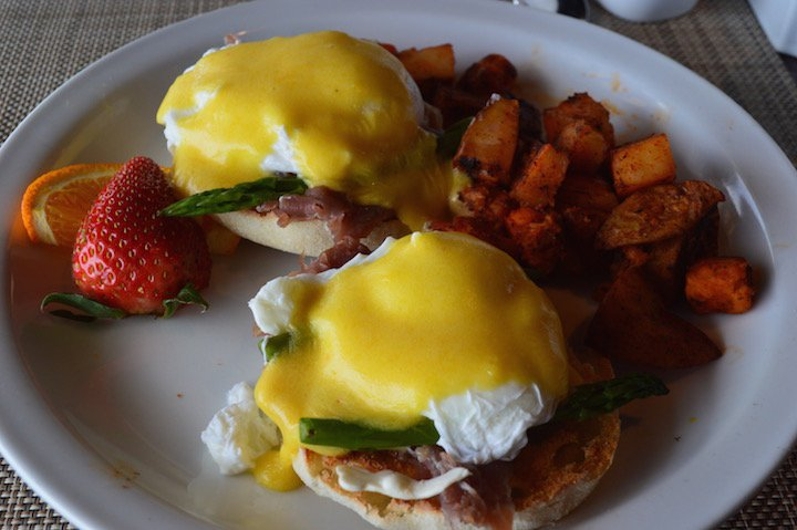 saybrook-point-inn-spa-brunch-fresh-salt