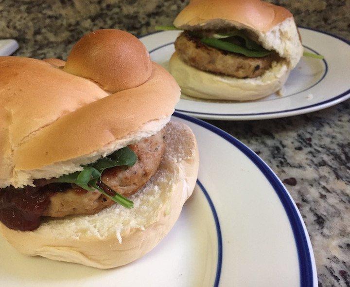 bbq chicken burgers, burger recipes, chicken recipes, dinner recipes, dinner for two, dinner ideas, bbq ideas, true made foods, bbq sauce