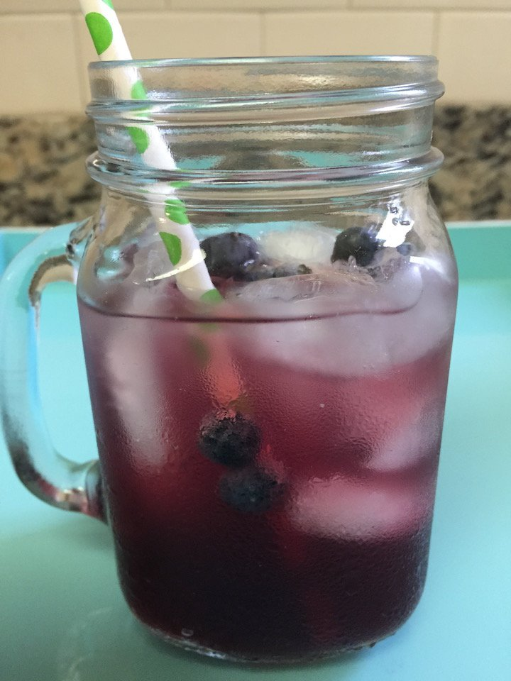 blueberry-month-bungalow-23-blueberry-cocktail