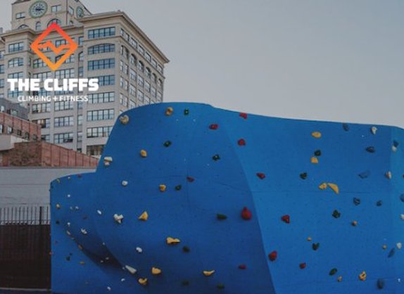 the-cliffs-dumbo-rock-climbing-wall