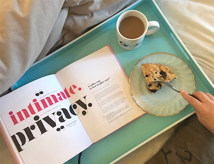 breakfast in bed, bedface, bedding, breakfast recipes, blueberry cake, home decor
