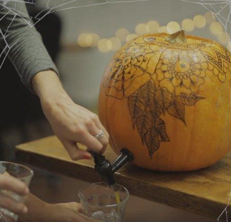 grownup halloween ideas, halloween ideas, nyc halloween, halloween DIY ideas, lifestyle bloggers , halloween accessories, halloween nail art , pumpkin keg