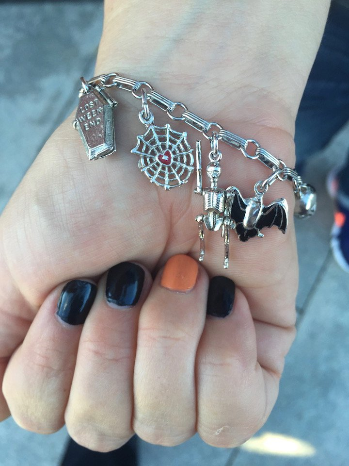 grownup halloween ideas, halloween ideas, nyc halloween, halloween DIY ideas, lifestyle bloggers , halloween accessories, halloween nail art , pumpkin keg