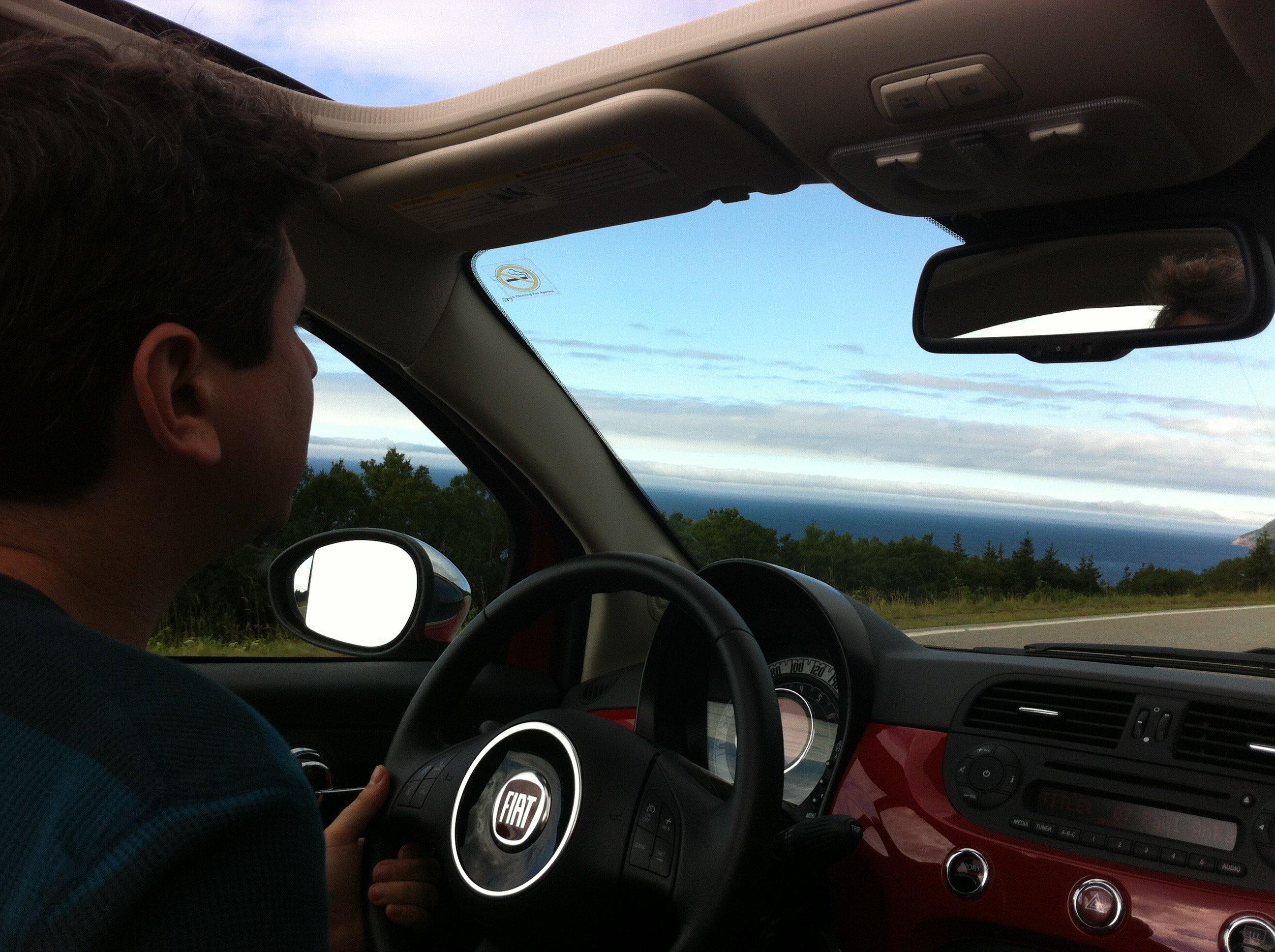 cars.com, best road trip car, best road trips, car tips, car rentals